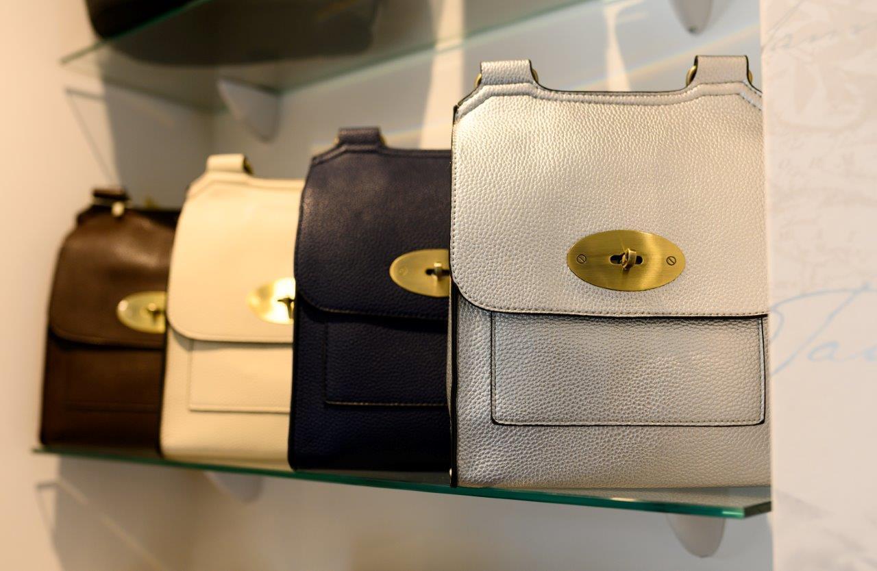 Vale Life Miss De-Vyliers Bags2